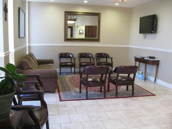 Waiting Room at Lisa Heinrich-Null, DDS