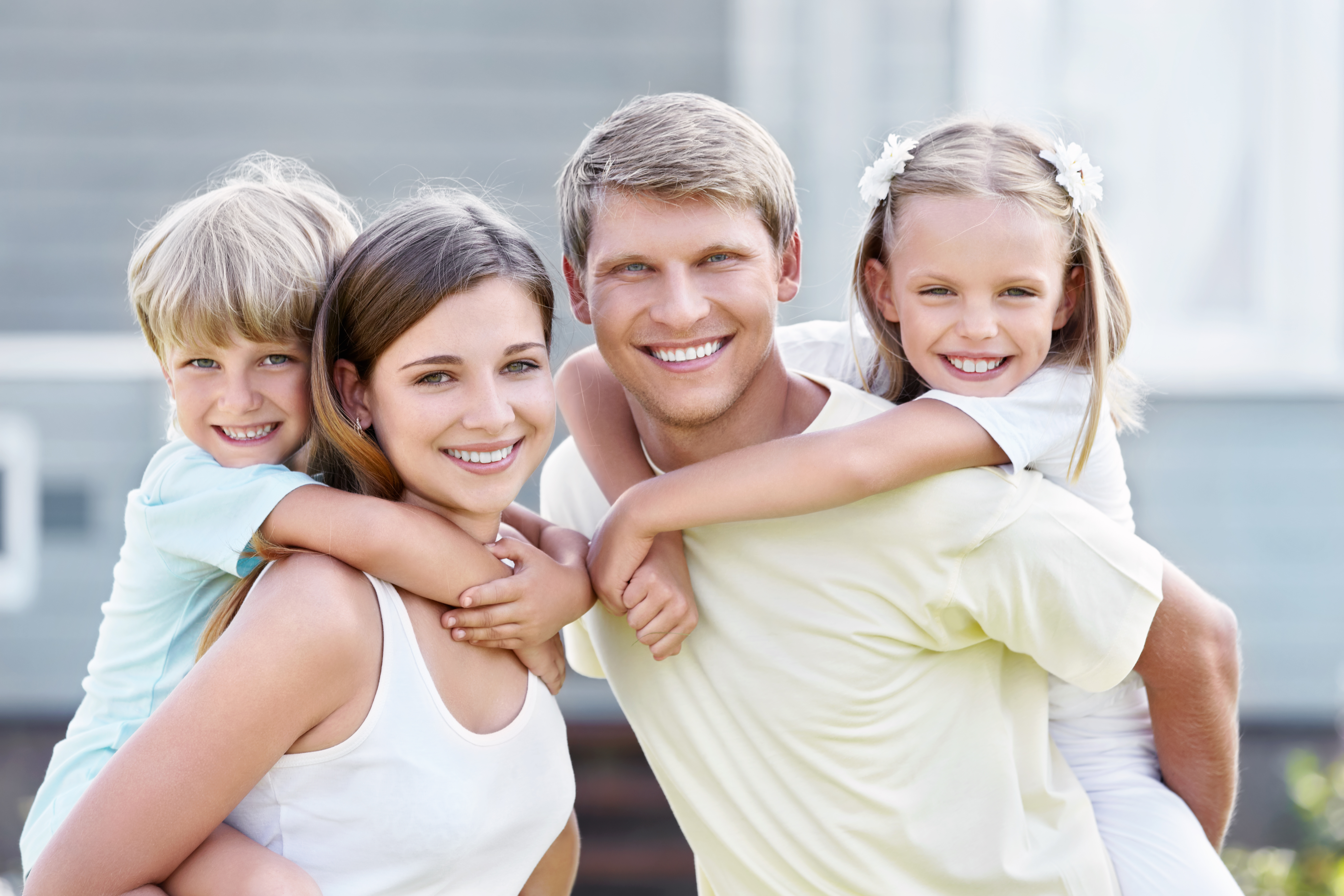 Family Dentist Green Bay - Picture of smiling family