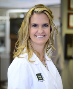 Picture of prosthodontist in Houston, The Villages, Woodlake/Briar Meadow, Dr. Leticia Perezous