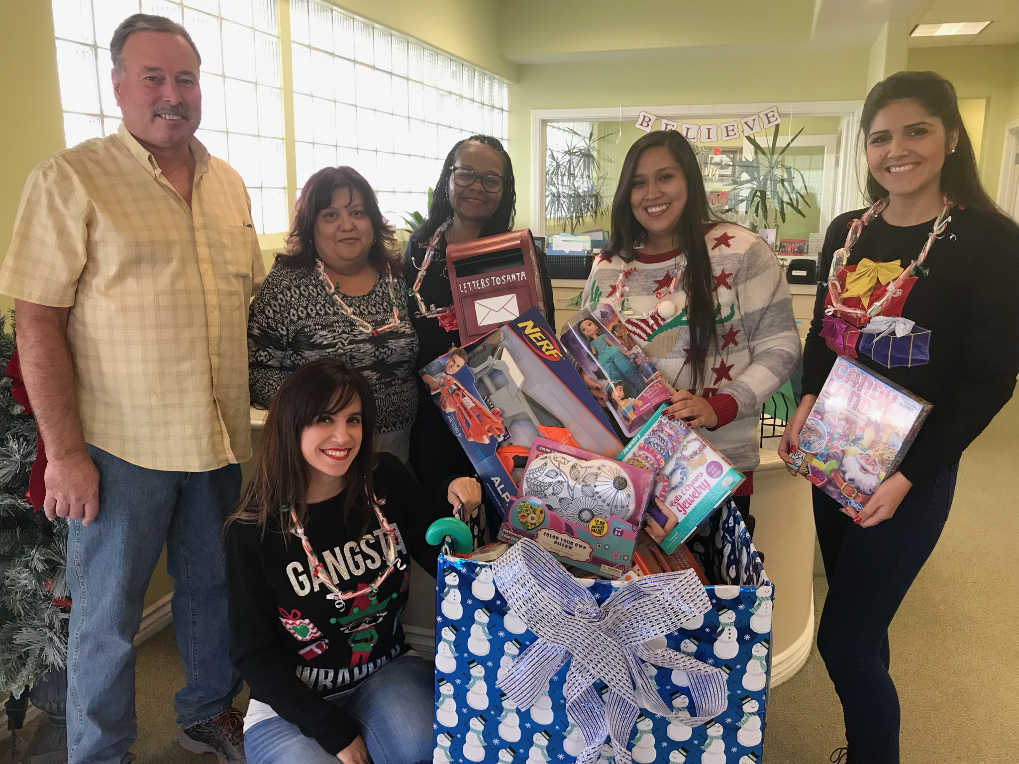 Barsoum Dental Holiday Toy Drive 2017 Upland Staff