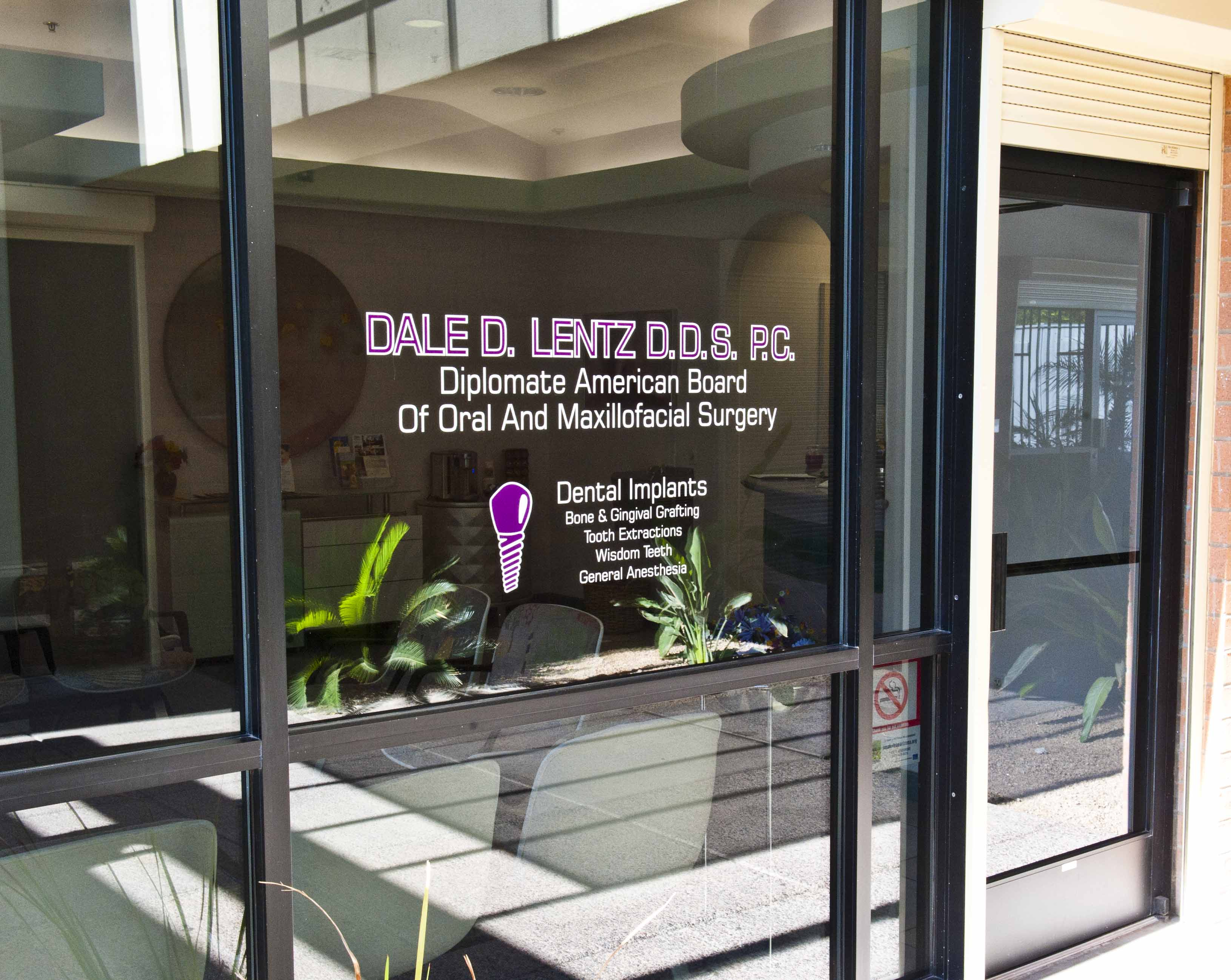 Oral surgeon in Tempe, AZ - Dr. Dale Lentz's office window