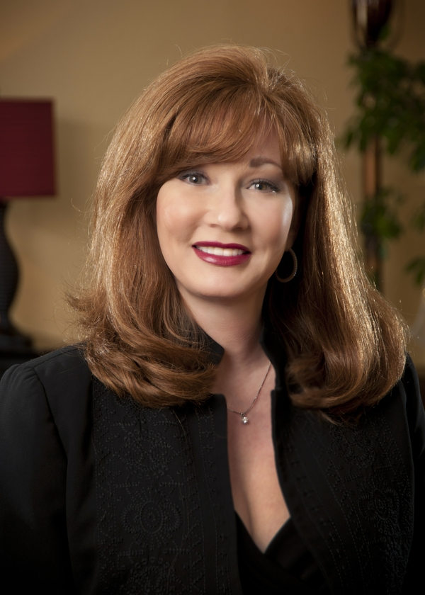 Amy Locke is a licensed aesthetician and laser technologist