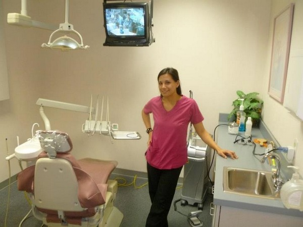 Meet Veronica Your Dental Assistant in Suwanee